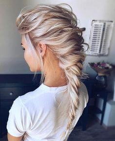 Friday braid inspiration! by the talented @hair_vera