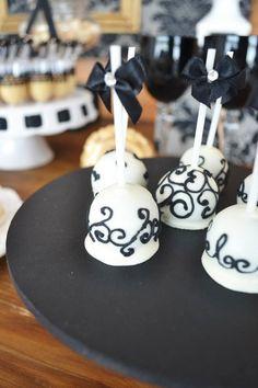 Decoração preto e branco {Festa de 70 anos}