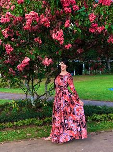 Maxi Floral 🌹 Designer Orange 🍊 Maxi Dress 👗 for your special event: wedding, prom, birthday, engagement, party 🎉 Choose your dress from Zori G 🧡 Animal Print Dresses, Luxury Dress, Handmade Dresses, Floral Maxi Dress, Dress Wedding, Bridesmaid Dress, Dress Collection, Mother Of The Bride, Evening Dresses