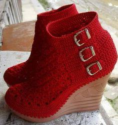 Crochet Shoes Pattern, Crochet Boots, Shoe Pattern, Crochet Slippers, Knit Crochet, Crochet Patterns, Knit Shoes, Sock Shoes, Striped Slippers