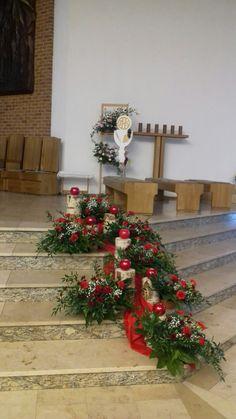 Christmas Flower Decorations, Christmas Floral Arrangements, Church Flower Arrangements, Christmas Wreaths, Christmas Tree, Holiday Decor, Pentecost, Wall Decor, Flowers