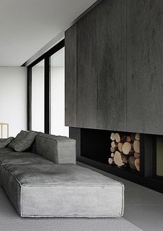 Interior by Tamizo Architects Modern Fireplace, Fireplace Design, Fireplace Facade, Fireplace Kitchen, Small Apartment Design, Small Apartments, Minimalism Living, Living Room Designs, Living Spaces