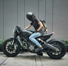 Ducati Scrambler custom Cafe Racer - BE STILL MY BEATING HEART!! Color, style, contour, power -all of it gorgeous!