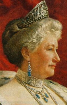 There's also a large diamond and possibly aquamarine, kokoshnic style tiara worn in many photos of Augusta of Prussia, which I can't find any info on.