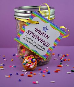 Sweetology: Brain Sprinkles ~ Cookies in a Jar + Printable Tag  #backtoschool