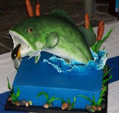 Jumping+Large+Mouth+Bass+Lure+Cattails+Are+Edible+Cake+Design+By+