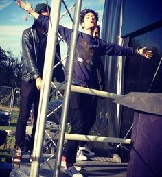 """""""Jack I'm flying!""""-Dan ♥ hahaha"""