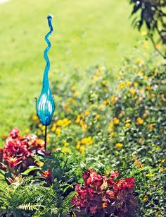 Different garden decorations.