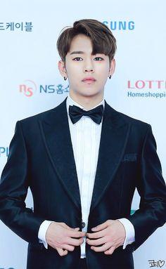 Dang, looking good Daehyun....