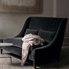CHARCOAL. WHAT A TIMELESS COLOR.