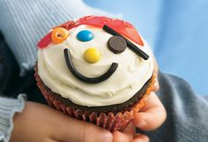 @Stephanie Adams These made me think of you! pirate cupcake