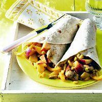 Wraps met kip, ananas en nectarines.