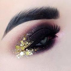 Trendy party makeup ideas make up hair style Makeup Eye Looks, Beautiful Eye Makeup, Creative Makeup Looks, Eye Makeup Art, Gold Makeup, Glitter Makeup, Smokey Eye Makeup, Cute Makeup, Party Makeup