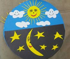 Day and night craft ideas for preschoolers Creation Activities, Preschool Activities, Preschool Curriculum, Homeschool, Solar System For Kids, Preschool Painting, Art For Kids, Crafts For Kids, Outer Space Theme