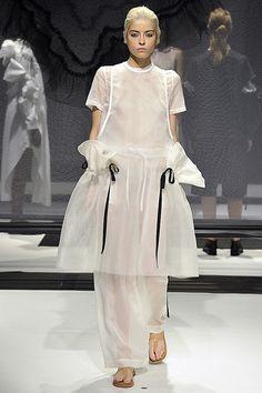 London Fashion Week - ROBERTS | WOOD