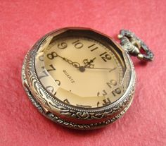 1pcs Antique Bronze Tan Glass Locket Necklace by shareliving, $7.50