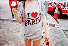 Image discovered by Camila Andrea. Find images and videos about paris, ice cream and ı love paris on We Heart It - the app to get lost in what you love. Tour Eiffel, Dress Up Boxes, Paris T Shirt, Fashion Images, Alternative Fashion, Swagg, Paris Fashion, My Outfit, Ideias Fashion