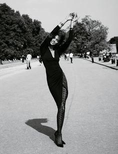 Vogue Paris, septembre 2011 http://www.vogue.fr/mode/inspirations/diaporama/la-petite-robe-noire-1/9555/image/569776#13