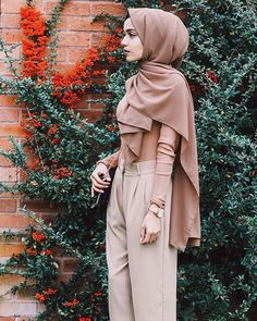 Neutrals  Wearing my @veronacollection hijab . They literally have the best chiffon/georgette scarves