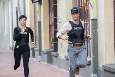 """The NCIS team investigates the murder of a Petty Officer found in a Mardi Gras float storage facility with an engagement ring and proposal plan in hand. However, the case takes a mysterious turn when the team is unable to locate his supposed long-term girlfriend, on NCIS: NEW ORLEANS,18 2014 (9:00-10:00, ET/PT), on the CBS Television Network. Pictured L-R: Zoe McLellan as Special Agent Meredith """"Merri"""" Brody and Scott Bakula as Special Agent Dwayne Pride Photo: Skip Bolen/CBS ©2014 CBS…"""