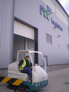 Fregadora Tennant 7300 en FCC Logística, centro logístico en Guadalajara
