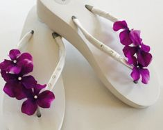 Wedding Flip Flops/Wedges for Bride Bridal Flip Flops. Wedding Nails For Bride, Bride Nails, Purple Wedding, Trendy Wedding, Wedding Shoes, Wedding Beach, Bridal Shoes, Wedding Makeup, Wedding Dresses