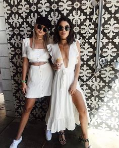 If i ever go to coachella that's the kind of dress i would wear. Rave Outfits, Summer Outfits, Fashion Outfits, Womens Fashion, Fashion Fashion, Coachella, Look Festival, Little White Dresses, White Outfits