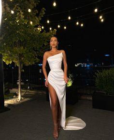Stunning Prom Dresses, Pretty Prom Dresses, Glam Dresses, Event Dresses, Dance Dresses, Cute Dresses, Beautiful Dresses, Dress Prom, Satin Dresses