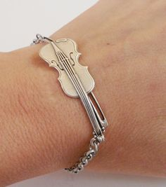 Steampunk Violin Bracelet Antique Silver Ox by bellamantra on Etsy Tiny Violin, Violin Art, Violin Music, Violin Drawing, Violin Tattoo, Band Nerd, Music Jewelry, Men's Jewelry, Handmade Jewelry