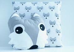 Handmade czyli ręcznie szyta ozdobna poduszka lisek do pokoju dziecka #miś #przytulanka #maskotka #teddybear #zabawka #pokójdziecka #desing #skandynawski #rękodzieło #ręcznieszyte #poduszka #poducha #kuferekmalucha #pillow #homedecor #bear #szycie #handmade #pokojdziecka