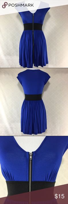 Blue front zipper dress Blue front zipper dress. Banded waist. Forever 21 size small. 96% rayon 4% spandex. Forever 21 Dresses