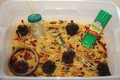 Counting Coconuts: Pasta Sensory Tub - Did you know October is 'National Pasta Month'? (It's also National Pizza, Cookie, and Apple Month! Sensory Tubs, Sensory Boxes, Sensory Activities, Sensory Play, Learning Activities, Preschool Activities, Restaurant Themes, Preschool Restaurant, Preschool Cooking