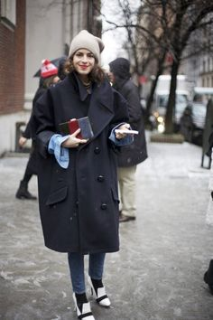 Fall 2013 Trends Outerwear Street Style New York Fashion Week Leandra Medine Street Style Chic, Street Style Looks, Leandra Medine, Mantel Outfit, Outfit Trends, Inspiration Mode, Fashion Inspiration, Winter Trends, Look At You