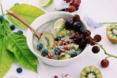 RECIPE :   Cup diced, frozen pear (fresh, diced and frozen overnight) Handful of blueberries ¼ Cup gluten free oats (normal oats is perfectly fine as well) 1 Frozen banana ½ Serving of Wazoogle Plant Power green super food protein powder ½ Cup Almond Breeze almond milk ½ Cup water Recipe Cup, Almond Breeze, Gluten Free Oats, Frozen Banana, Smoothie Bowl, Almond Milk, Blueberries, Superfoods, Acai Bowl