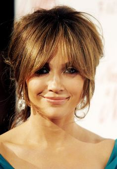 Ponyfrisuren für herzförmige Gesichter: Jennifer Lopez