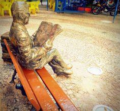 Em comemoração ao aniversário de 32 anos da Praça do Sebo, a Prefeitura de Recife reinaugura o loca, neta sexta-feira, 30, a partir das 14h,  após um período de reforma.  O evento conta com diversas atrações artísticas. A entrada é Catraca Livre.