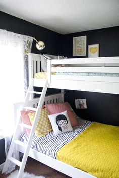 Love this shared girls room with bunk beds! Double Bunk Beds, Modern Bunk Beds, Kids Double Bed, White Bunk Beds, Full Bunk Beds, Girls Bunk Beds, Kid Beds, Bunk Beds With Stairs, Bunk Bed Designs