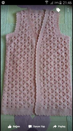 This Pin was discovered by Ada Crochet Motif, Crochet Designs, Crochet Coat, Bohemian Tops, Vest Pattern, Diy And Crafts, Dressing, Wool, Pretty
