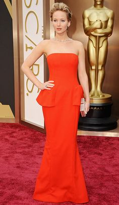 J Law wears a Dior gown at the 2014 Oscars