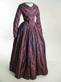 1849 Tartan check silk Wedding dress in purple shot silk with wide window-pane checks in blue and charcoal. 1800s Fashion, 19th Century Fashion, Victorian Fashion, Vintage Fashion, Plaid Fashion, Victorian Women, Victorian Era, 1800s Clothing, Antique Clothing