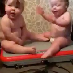 "68.6k Likes, 2,586 Comments - Funny Videos (@fun_bestvids) on Instagram: ""👶🏻👶🏻😂 ™@lovingelliesbelly"""