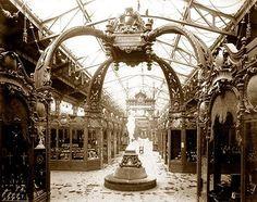 Palace of Diverse Industries. Old Paris Photos during la belle epoque, photographs. Old Paris, Vintage Paris, Tour Eiffel, Chez Georges, Most Romantic Places, Second Empire, Expositions, Famous Places, Architecture Old