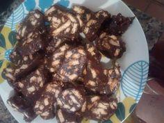 Salaminho de chocolate e bolacha maizena..Thá Ferreira