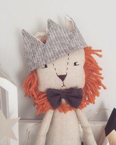 Lion king  #lionking #lion #lionplushie #plushtoy #ragdoll #kidsinterior #nurserydecor #babyshowergift #bestfriend Doll Crafts, Sewing Crafts, Sewing Projects, Toys For Boys, Kids Toys, Peluche Lion, Handmade Stuffed Animals, Softie Pattern, Cat Doll