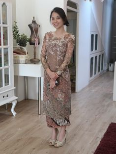 Vera Kebaya, Kebaya Lace, Batik Kebaya, Kebaya Dress, Dress Pesta, Batik Dress, Kebaya Modern Hijab, Model Kebaya Modern, Kebaya Hijab