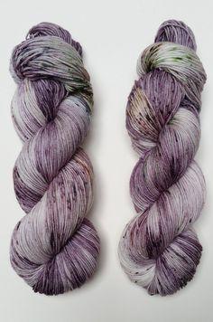 Bacchanale  lila bunten Socken Garn auf MARS 75/25 SW von noxyarn