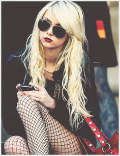 Imagem de Taylor Momsen, blonde, and gossip girl Taylor Momsen, Taylor Michel Momsen, Taylor Swift, Gossip Girls, Instagram Baddie, Instagram Feed, Steam Punk, Estilo Punk Rock, Jenny Humphrey