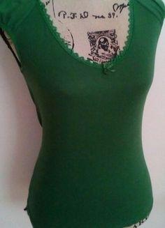 Kaufe meinen Artikel bei #Kleiderkreisel http://www.kleiderkreisel.de/damenmode/kurzarmlig/136749386-knallig-grunes-shirt-von-vero-moda-in-grs36
