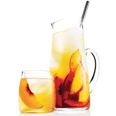 Bourbon & Peach Sweet Tea Punch - Rachael Ray In Season Party Drinks, Cocktail Drinks, Fun Drinks, Cocktail Recipes, Alcoholic Drinks, Cocktail Ideas, Drinks Alcohol, Drunk Party, Cocktail Parties