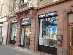 Le Cabinet BENEDIC ouvre les portes de son nouvel établissement à Luxembourg Ville, rassemblant une agence immobilière et une galerie d'art. Les enseignes en relief rétro-éclairées par LED sont signées COM'PARK OUTDOOR.